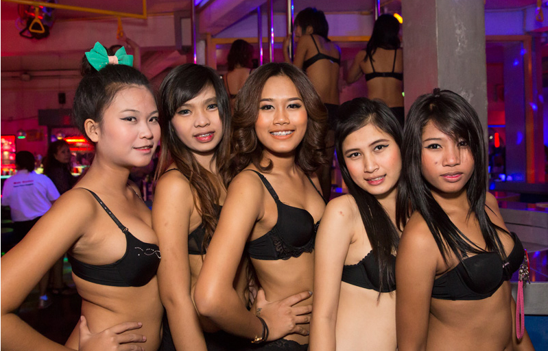Pretty-Lady-Bar-Bangkok8