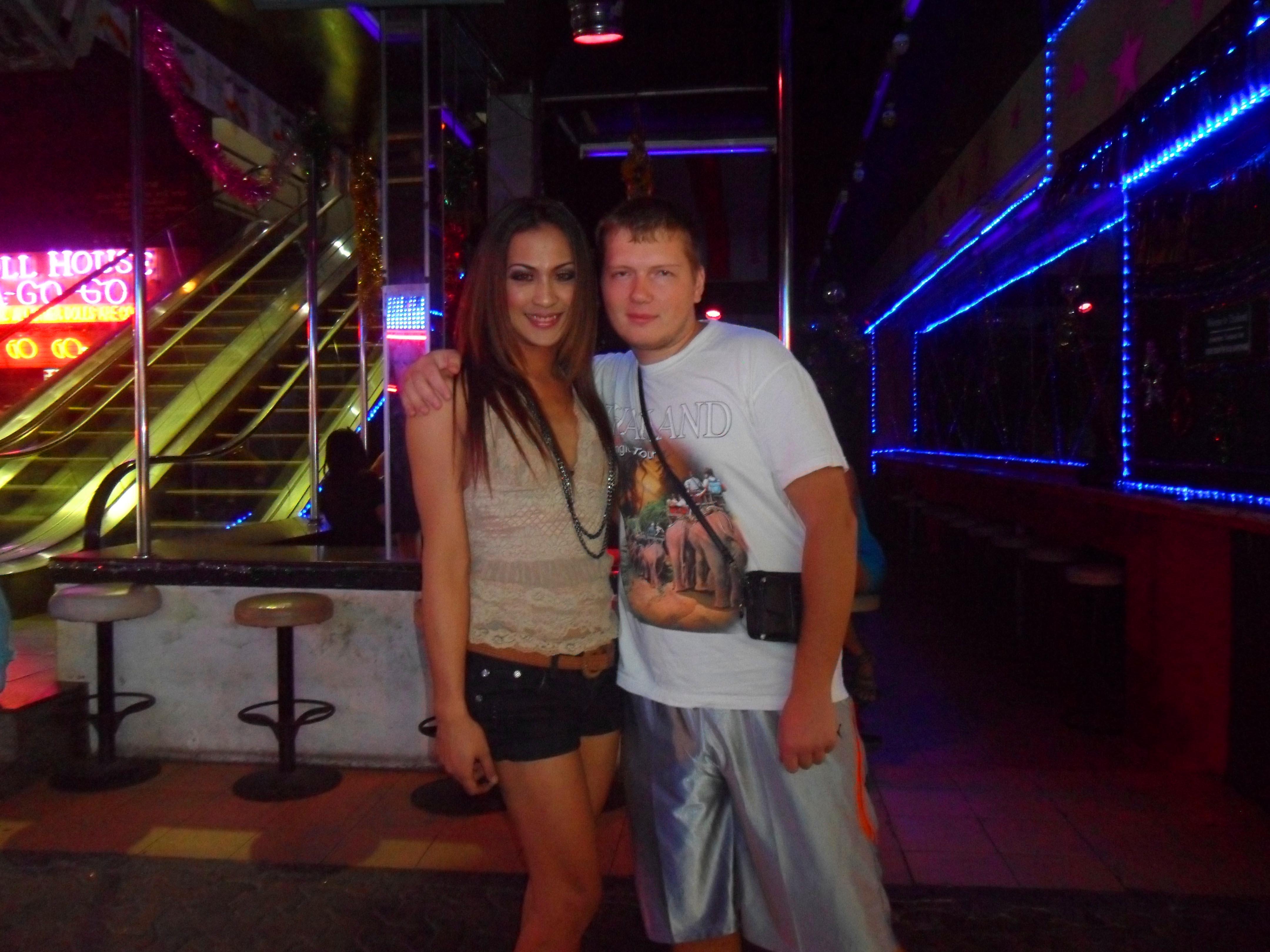 Тайская проститутка с клиентом 20 фотография