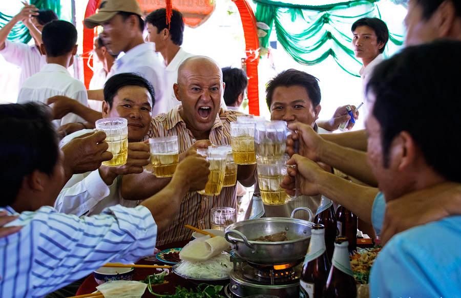 коллективная трапеза вьетнамцев