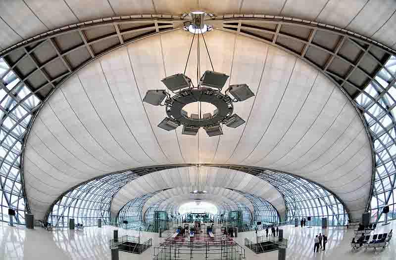 800px-Suvarnabhumi_Airport,_Bangkok,_Thailand_2