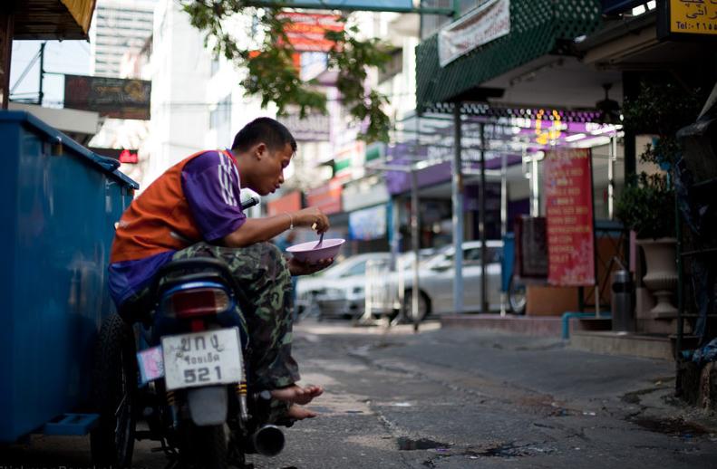 Bangkok-motorcycle-taxi-rider